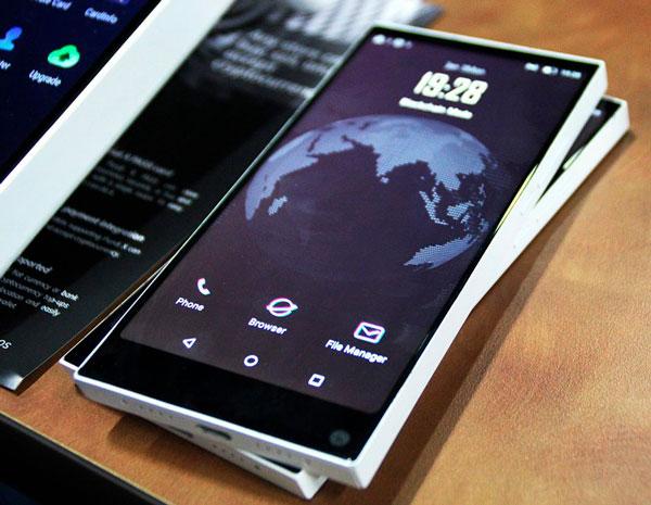 Внешний вид телефона BOB от Pundi X
