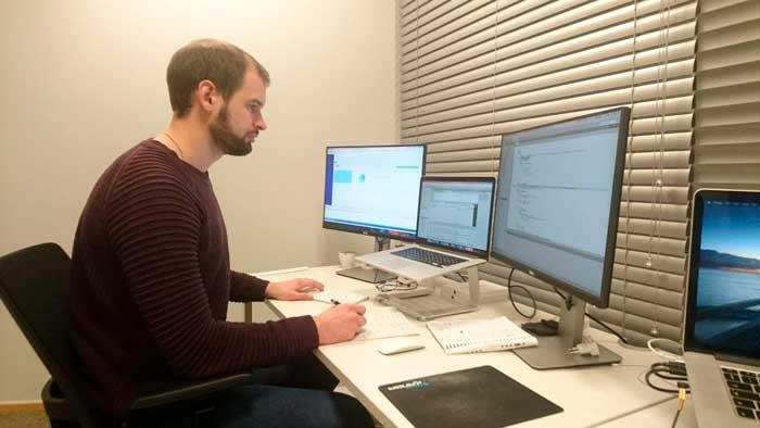 Павел Бороздин (разработчик HashFlare)